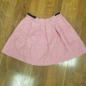 Medium Freeway Womens skirt with pockets.